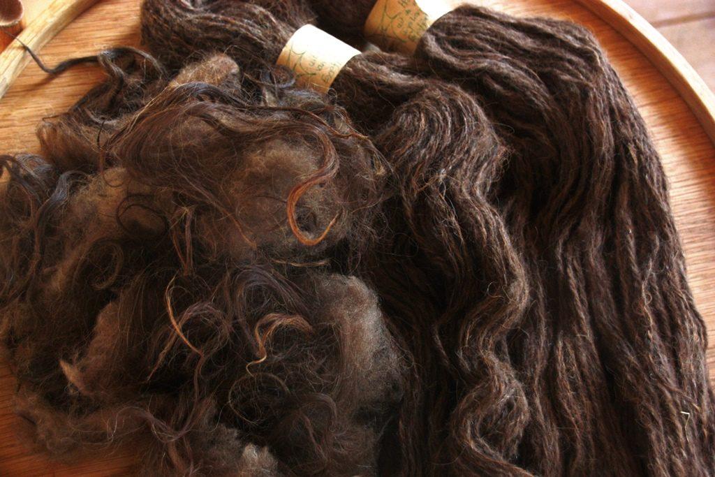 handgesponnen wol håndspundet uld